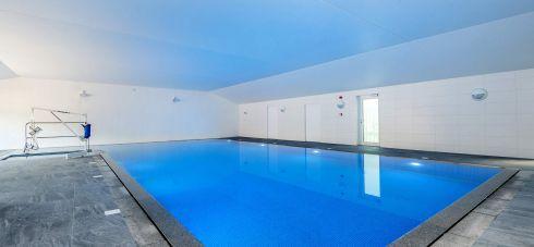 Wallops Wood Cottages luxury pool